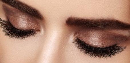 Lazer Lounge Clinic - Eyelash Extensions Model